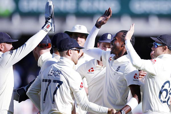 Archer's 6-62 puts England on top in final Ashes Test