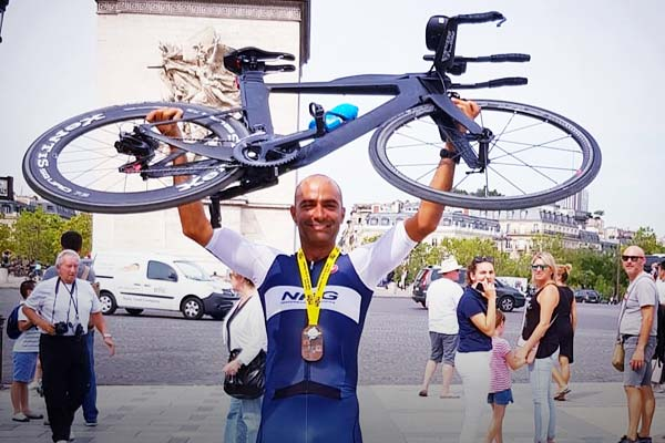 42 years old Indian lawyer becomes the first Indian and the fastest man to complete the Enduramon triathlon