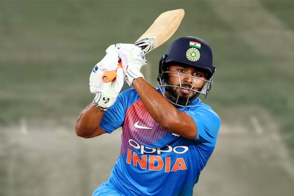 Ravi Shastri warns Rishabh Pant on poor shot selection