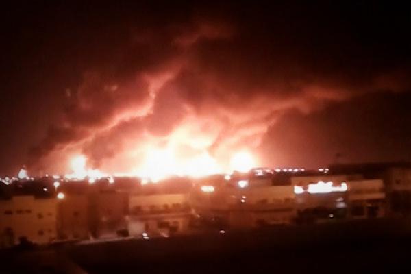 हूती विद्रोहियों द्वारा सऊदी के तेल ठिकानों पर ड्रोन हमले से, ईरान-अमेरिका के बीच युद्ध जैसे हालात