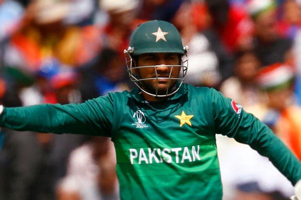 Sarfaraz's Pakistan Test captaincy in danger
