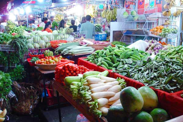 Vegetable vendor robbed in Lucknow because of high prices of onions, garlic and tomatoes
