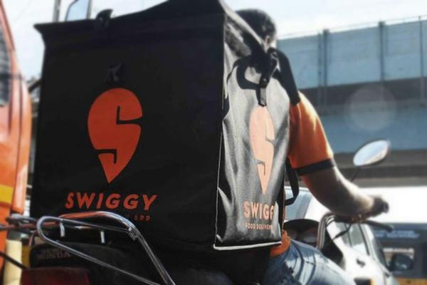 Swiggy planning to hire 3 lakh people in 18 months