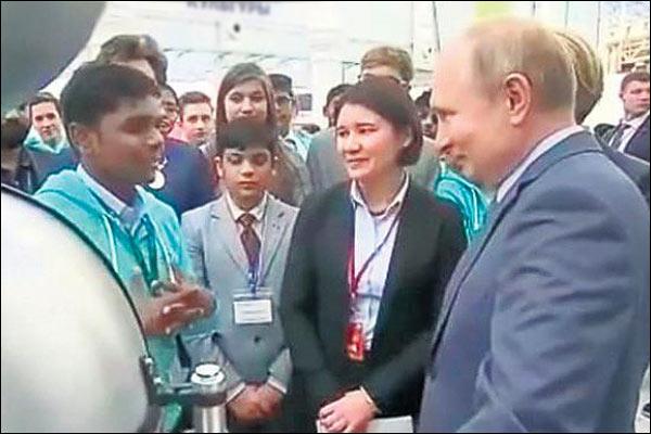 Vladimir Putin praised  Indian student