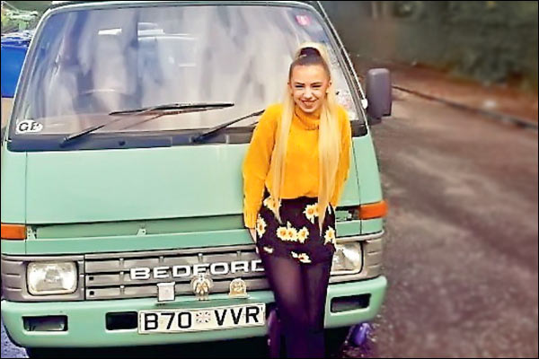 Student Converting 35 Year Old Campervan Into New Home To Avoid Paying Rent