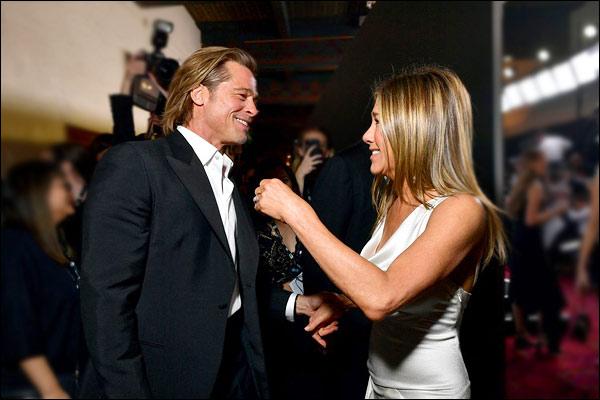 Brad Pitt Stopped Everything To Catch Jennifer Aniston Speech Backstage