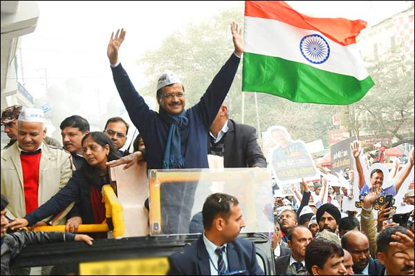 Kejriwal could not file nomination today due to road show