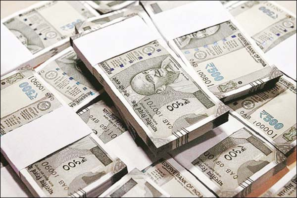 1% of the rich in India have more than 70% of the population Oxfam report