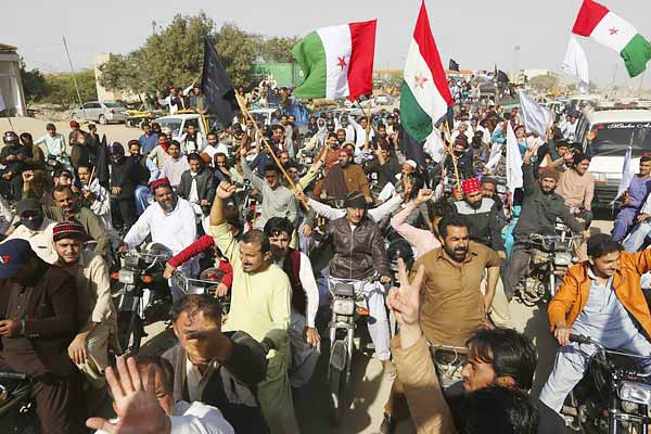 Pak judge takes a jibe at India while dropping case against Pashtun protestors