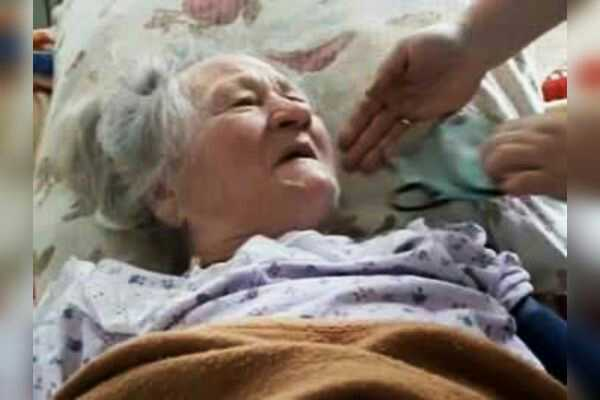 83 years old women  comes back to life ten hours after she was declared dead
