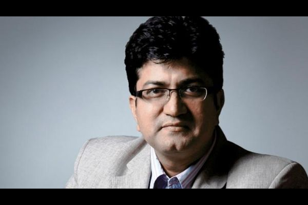 Prasoon Joshi Pens Poem In Support Of COVID-19 Lockdown