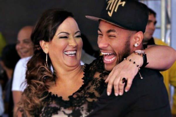Neymar gives his approval to his 52-year-old mother  relationship with a 22-year-old model and gamer