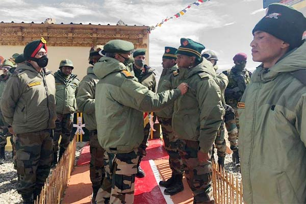 Army chief General Naravane visits forward areas in Ladakh awards commendation cards to soldiers who