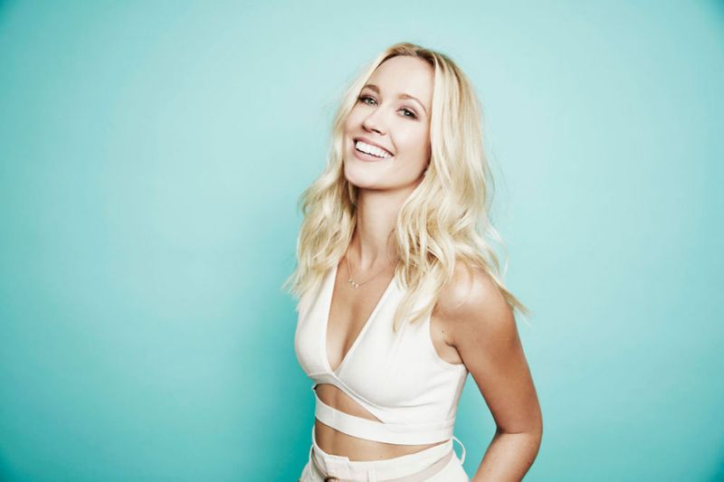 Pitch Perfect actress Anna Camp reveals got COVID-19 after going maskless once