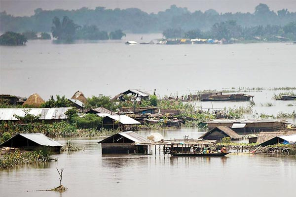 1 million people affected by heavy rains and floods in China 2 million people displaced