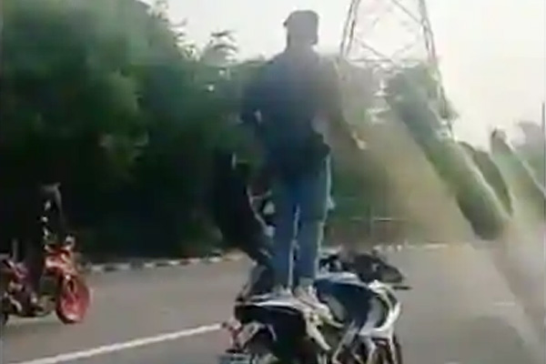 5 arrested for performing stunts